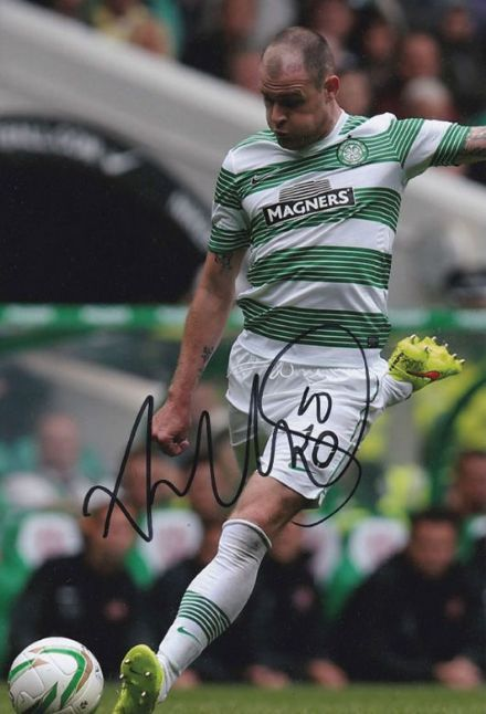 Anthony Stokes, Glasgow Celtic, signed 12x8 inch photo.